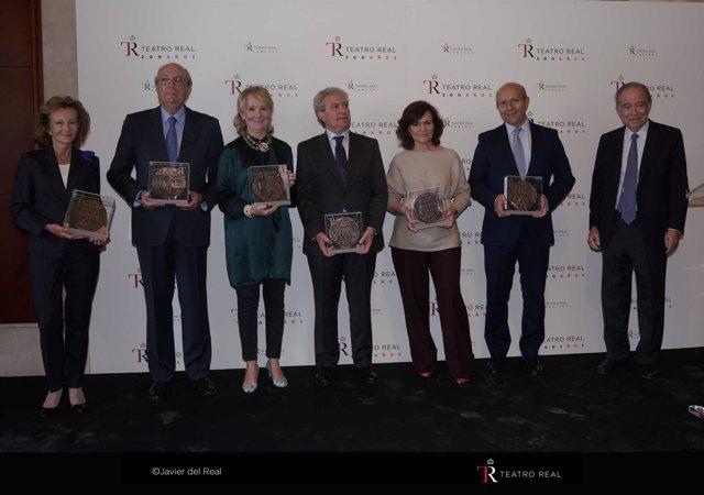 Carmen Calvo preside la entrega de medallas del Teatro Real