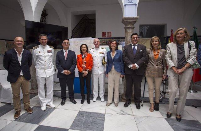 La ministra de Defensa, Margarita Robles, en Ayamonte.