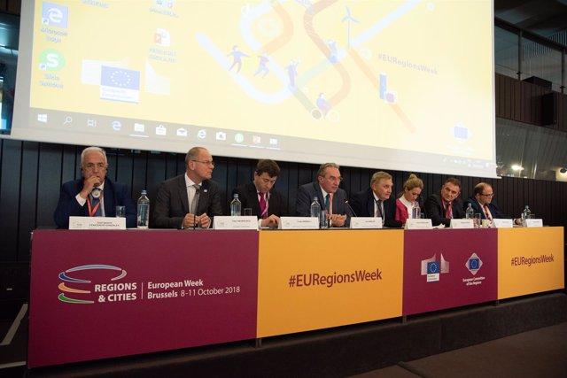 Presidente en Bruselas en encuentro fuga de talentos