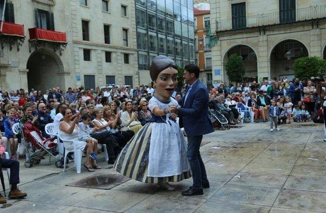 Luis Barcala en los actos del 9 d'Octubre
