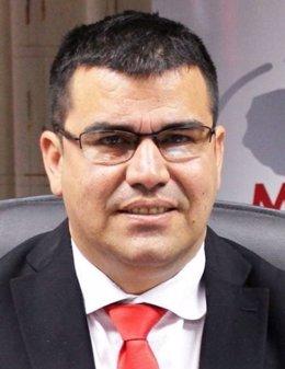 Julián Vega renuncia a su puestro tras la denuncia por acoso sexual.
