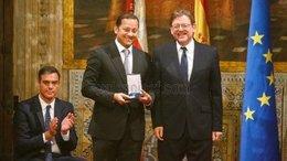 Anil Murthy, presidente del Valencia, con Ximo Puig, homólogo de la Generalita