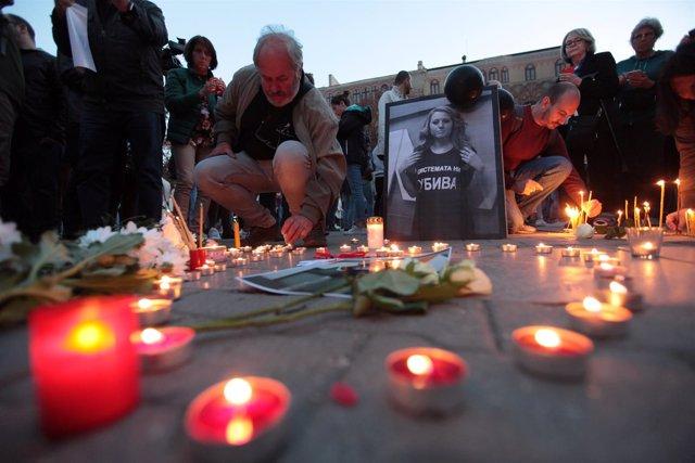Vigilia en memoria de la periodista asesinada Viktoria Marinova