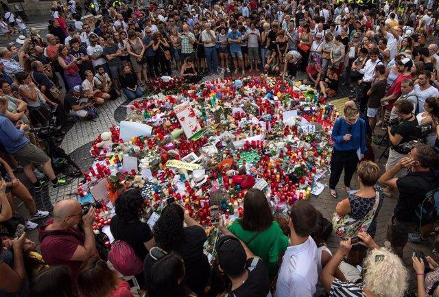 Homenaje atentados en Cataluña