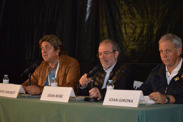 Joan Reñé, en el centro, con David Massot y Joan Girona