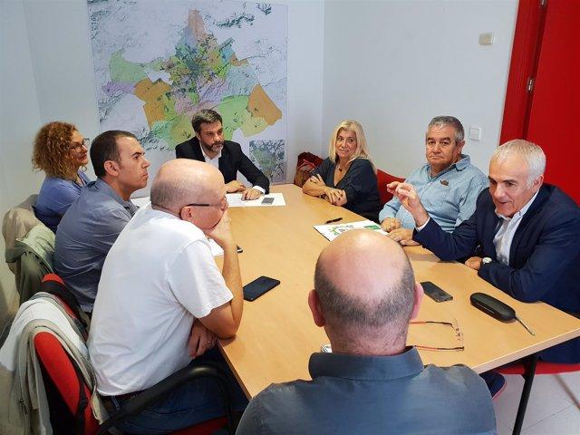 Reunión sindicatos y PSOE en sede socialista