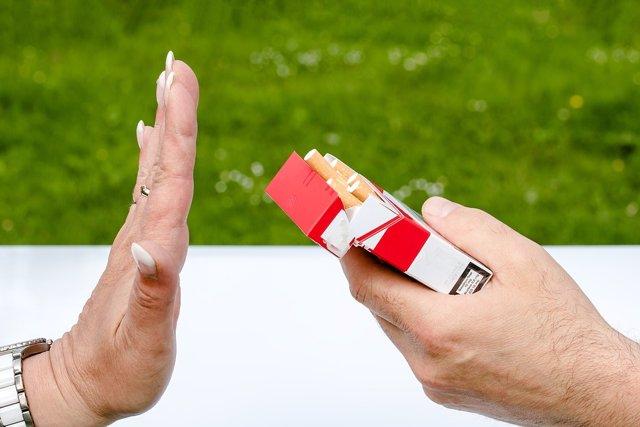 Tabaco. Dejar de fumar. Cajetilla de tabaco