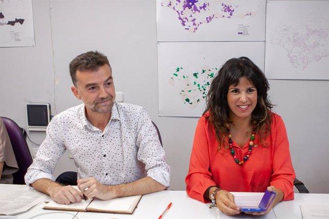 Los líderes de IU y Podemos, Antonio Maíllo y Teresa Rodríguez