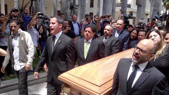 Recibimiento de los restos del Concejal Fernando Albán