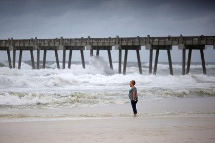 El huracán 'Michael' asciende a categoría 4 de camino a Florida