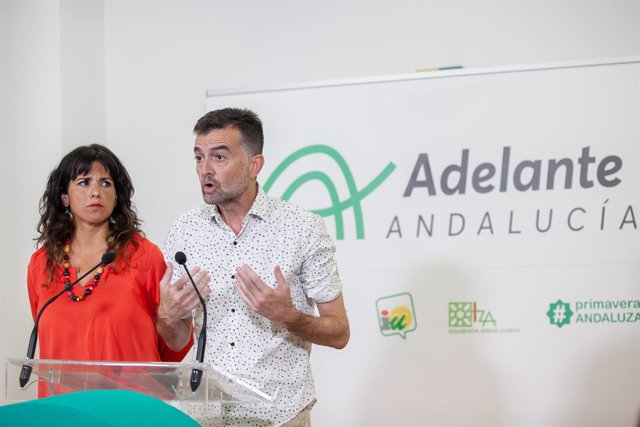 Los líderes de Podemos e IU, Teresa Rodríguez y Antonio Maíllo