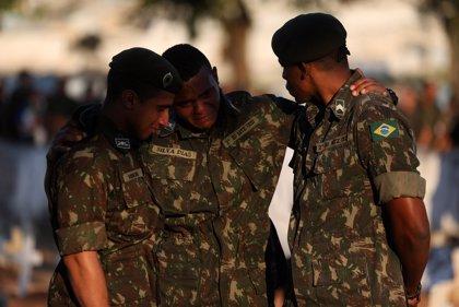 Los militares se convierten en un sector clave para decidir la pugna electoral entre Bolsonaro y Haddad