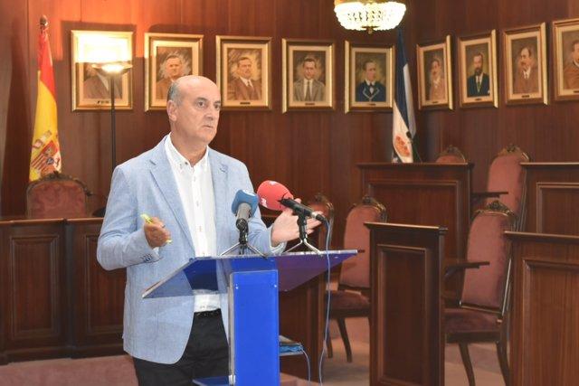 El alcalde de Lepe, Juan Manuel González, en rueda de prensa.