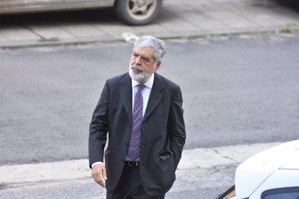 Condenan a cinco años y ocho meses de cárcel al exministro de Planificación de Argentina Julio de Vido