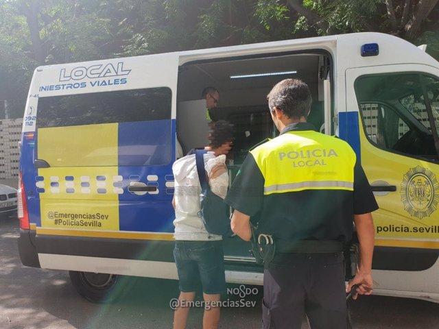 La Policía Local intercepta a un conductor tras darse a la fuga