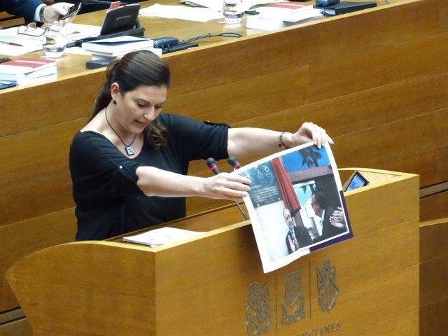 Fabiola Meco en la tribuna de oradores