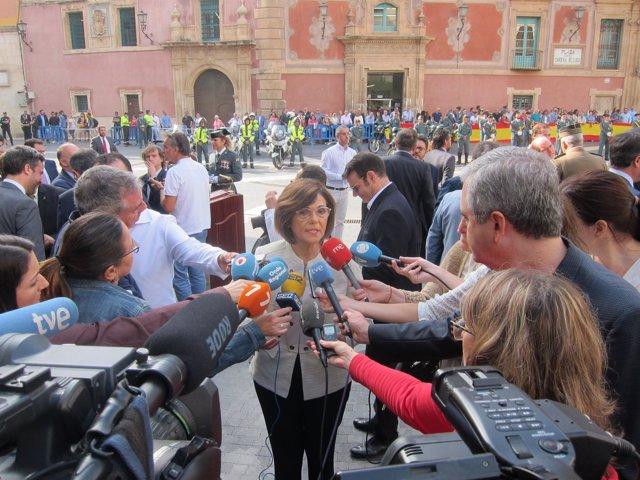 Rosa Peñalver atiende a los medios