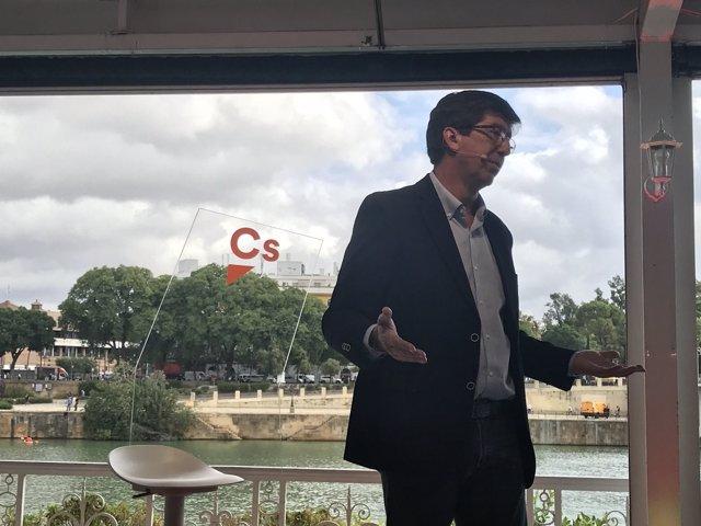 Juan Marín, en un encuentro con ciudadanos en Sevilla