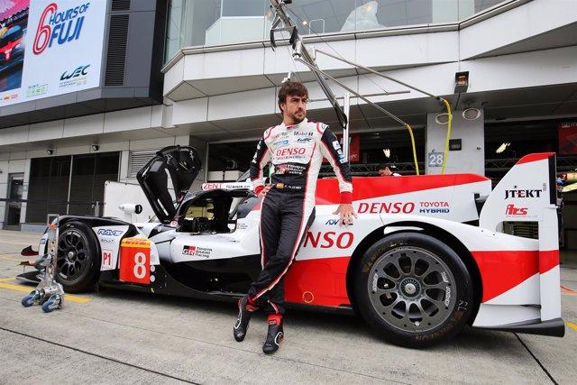 Fernando Alonso antes de participar en las 6 Horas de Fuji