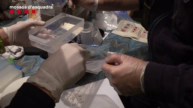 Droga intervenida por los Mossos d'Esquadra en Barcelona