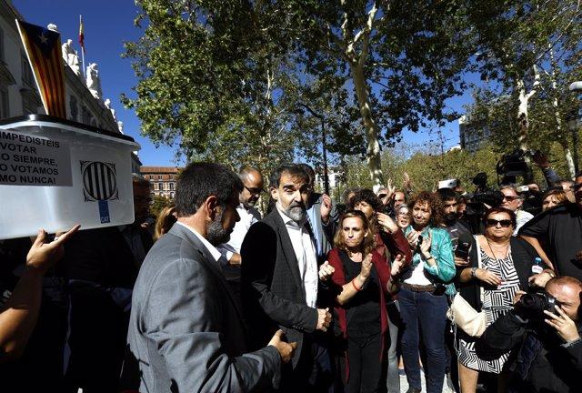 El presidente de la ANC, Jordi Sànchez, y el de Òmnium Cultural, Jordi Cuixart