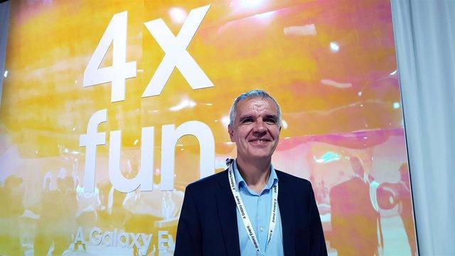 Celestino García (Samsung), en la presentación del Galaxy A9 en Milán (Italia)