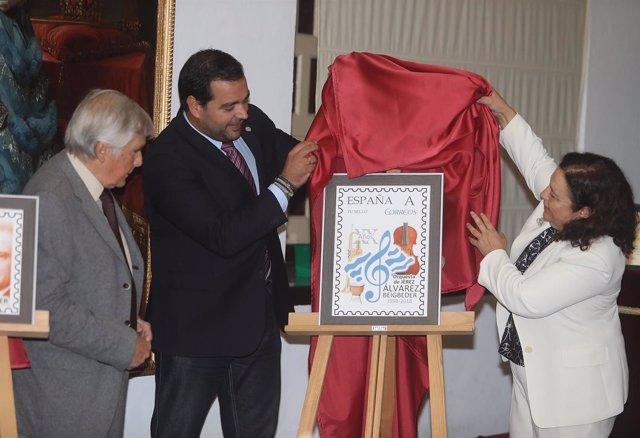 Presentación de sellos en memoria de Germán Álvarez Beigbeder