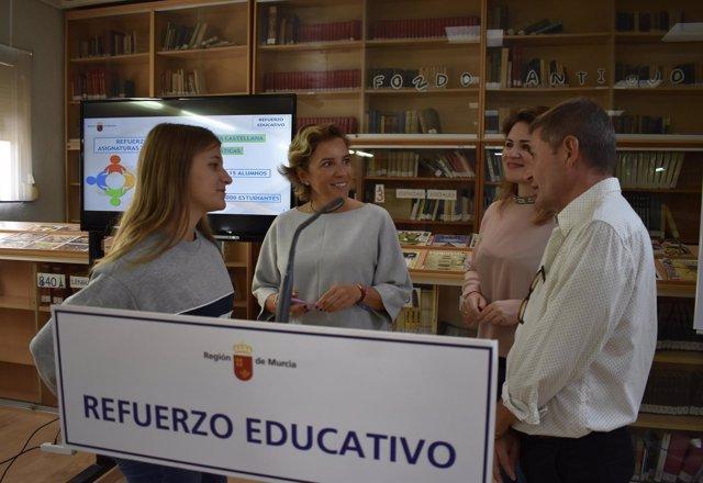 Cachá en su visita al IES Saavedra Fajardo