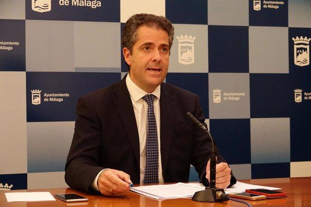 El catedrático Carlos Conde
