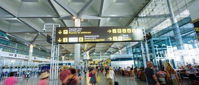 Aeropuerto de málaga costa del sol viajeros pasajeros turismo ocio plazas avión