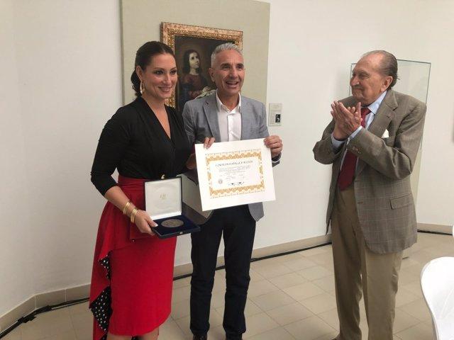 Entrega de la medalla de la Fundación Rodríguez-Acosta a Marina Heredia