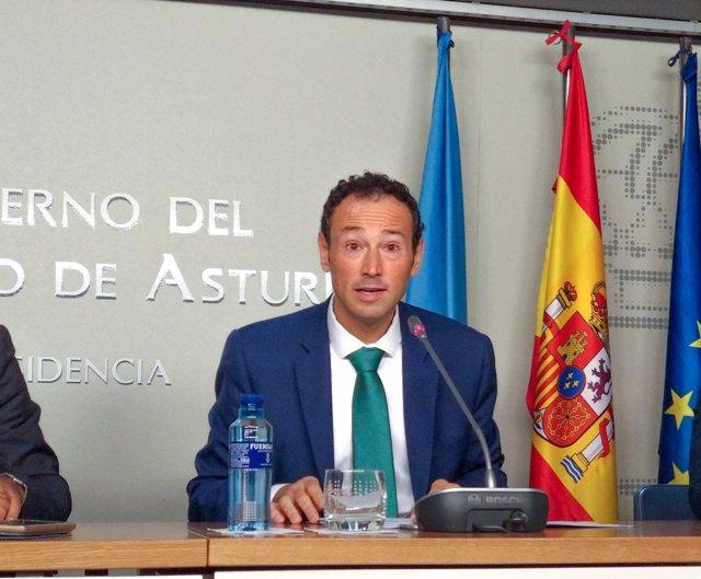 El consejero de Presidencia, Guillermo Martínez, en rueda de prensa