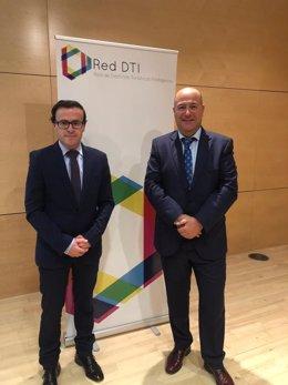 Gallardo firma en Madrid la red de Destinos Inteligentes