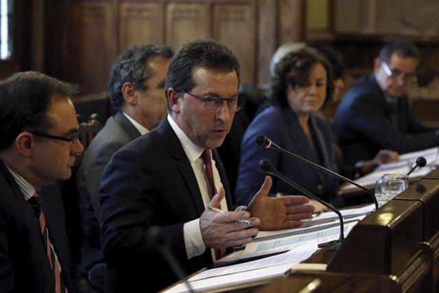 El consejero Genaro Alonso en la Junta General.