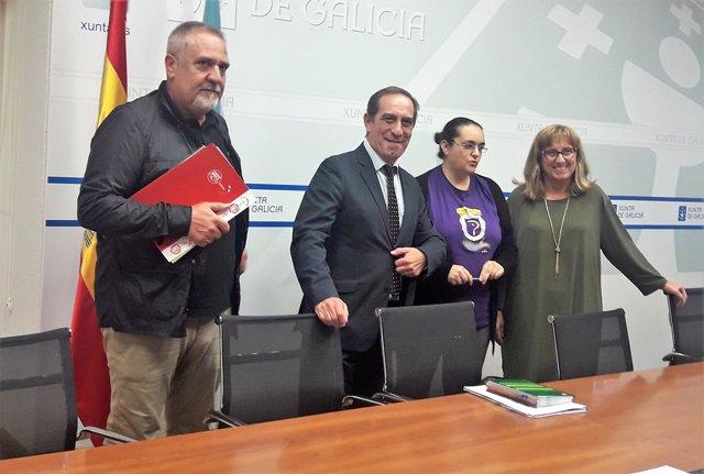 Reunión del conselleiro de Facenda, Valeriano Martínez, con sindicatos