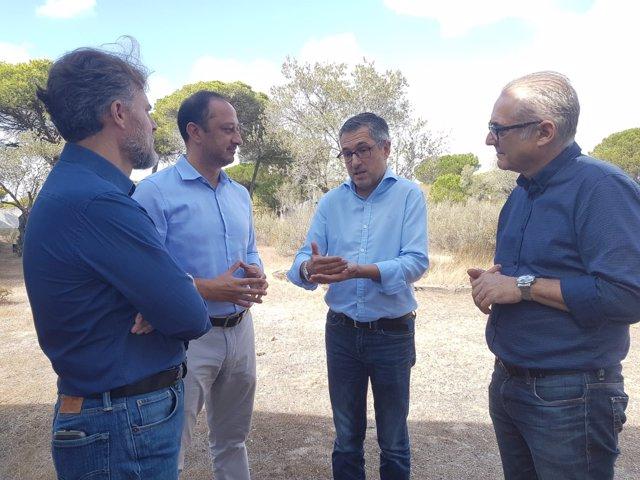 El secretario de Estado de Medio Ambiente, Hugo Morán, en Doñana.