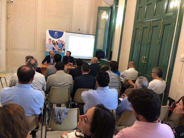 Jornada sobre cooperativismo en vivienda organizada por Faecta