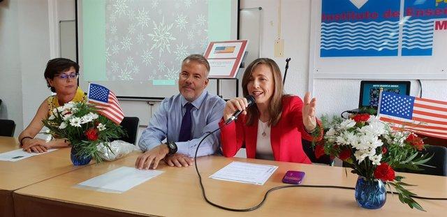 El agregado cultural de EEUU y la delegada de Educación de Almería