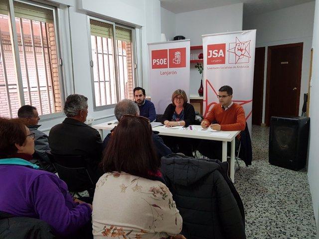 Acto del PSOE sobre empleo joven con Raúl Ruiz, secretario del PSOE de Lanjarón