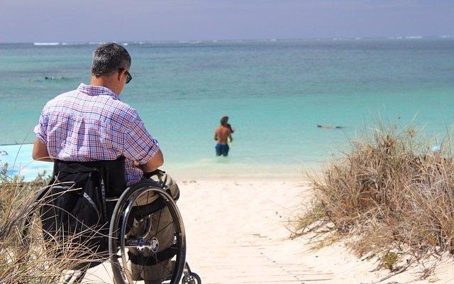 El 43% de las personas que cuidan a alguien cercano con esclerosis múltiple ve afectada su salud emocional