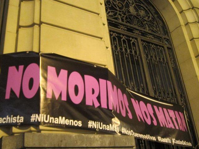 "Lema contra violencia machista ""No morimos, nos matan"""