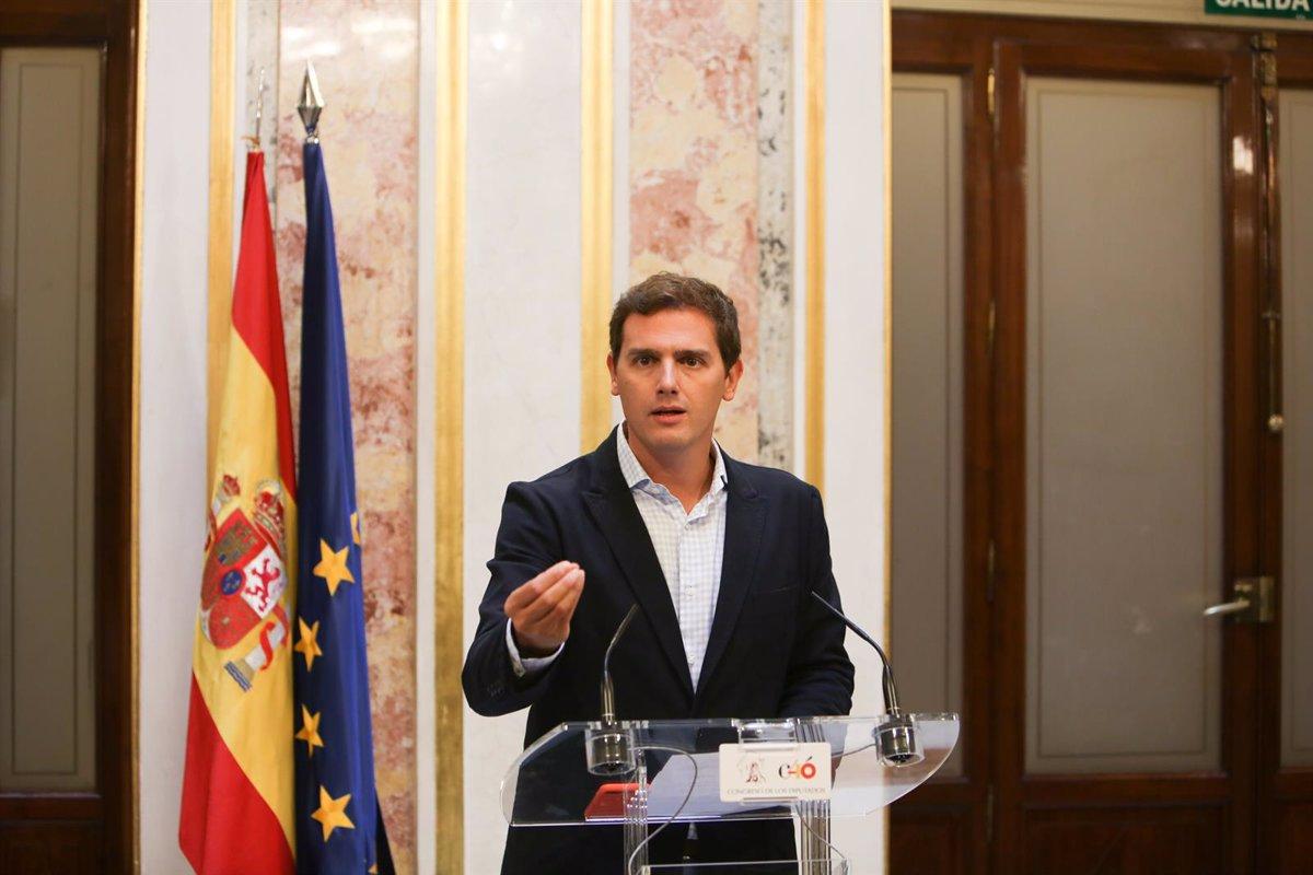 """Rivera censura el acuerdo del Gobierno y Podemos sobre los Presupuestos, que """"sube los impuestos y dispara el gasto"""""""