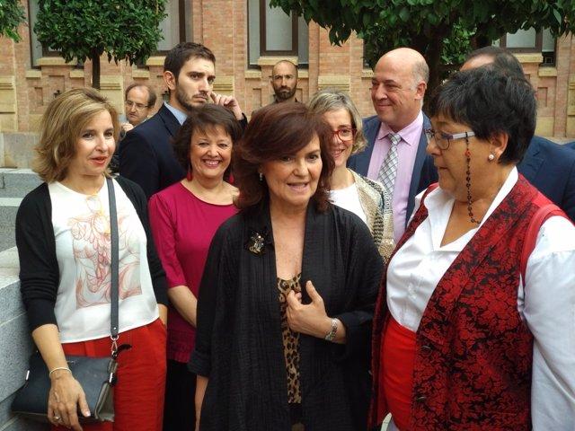 Carmen Calvo (centro) en Córdoba
