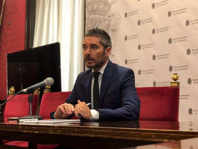 El portavoz del grupo municipal de Ciudadanos, Manuel Olivares