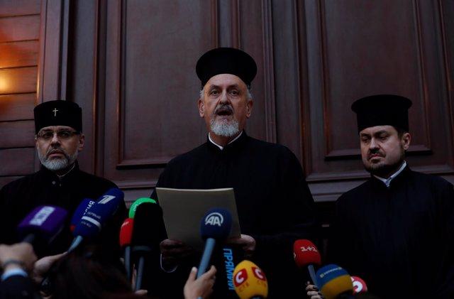 Metropolitano Emmanuel lee fallo de Patriarcado de Constantinopla para Ucrania