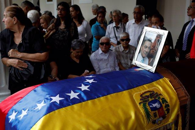 Capilla ardiente en recuerdo de Fernando Albán