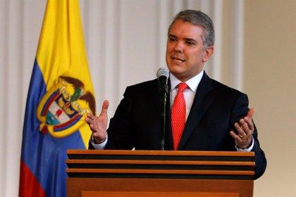 Duque denuncia la presencia en la frontera de grupos armados apoyados por Venezuela