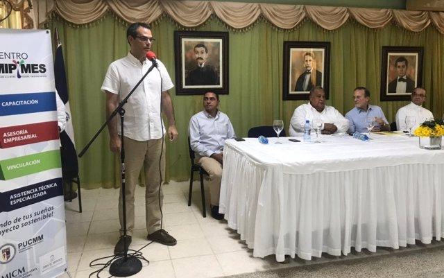 Un proyecto de cooperación andaluza impulsa la gestión sostenible del sector turístico en la localidad de Pedernales