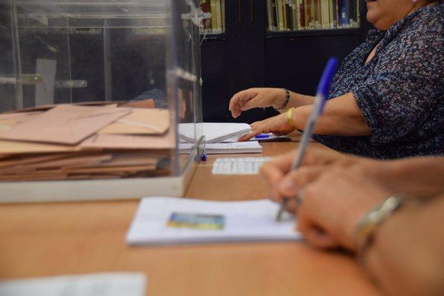Colegio electoral, urnas, votación, elecciones generales, mesa electoral
