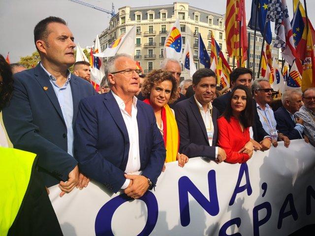 D.Montserrat,J.Rosiñol,I.Arrimadas en una manifestación por la Hispanidad
